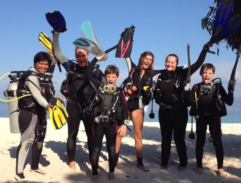 dugong dive center
